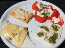 æg, mozzarella, feta, tomat, avokado, brød